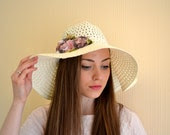Straw Woman's Boho Hat, Trendy Sun Hat decorated with handmade flowers