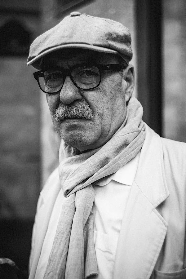 #256 — He was waiting in the queue to buy a baguette © 365 Parisiens by Constantin Mashinskiy – Tumblr – Facebook