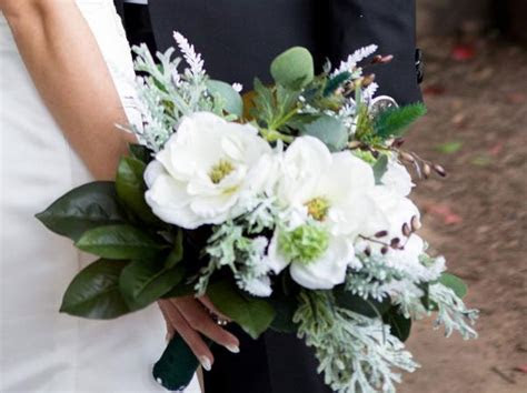 Magnolia Wedding Flowers   LoveToKnow