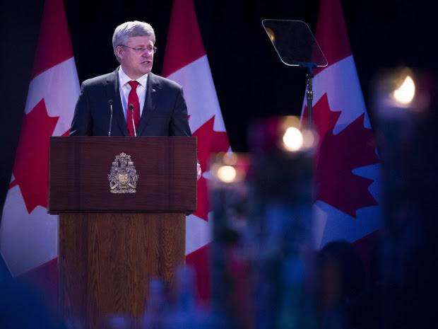 Thủ tướng Stephen Harper trong bữa tiệc gây quỹ xây đài tưởng niệm nạn nhân của chủ nghĩa cộng sản (Toronto, Ont., May 30, 2014.) Nguồn: THE CANADIAN PRESS/Darren Calabrese