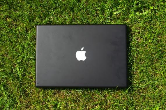 Macbook Photo