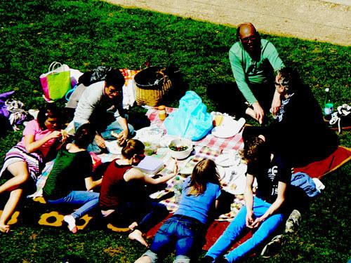 un déjeuner sur l'herbe.jpg