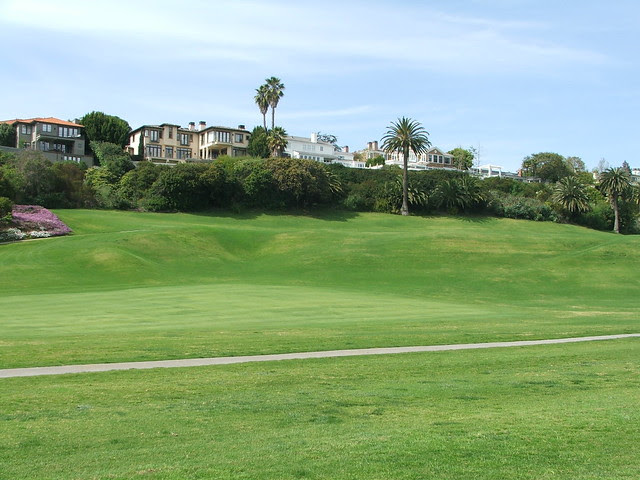 Riviera 18th from side