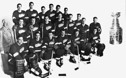 1951-52 Detroit Red Wings team photo 1951-52 Detroit Red Wings team.jpg