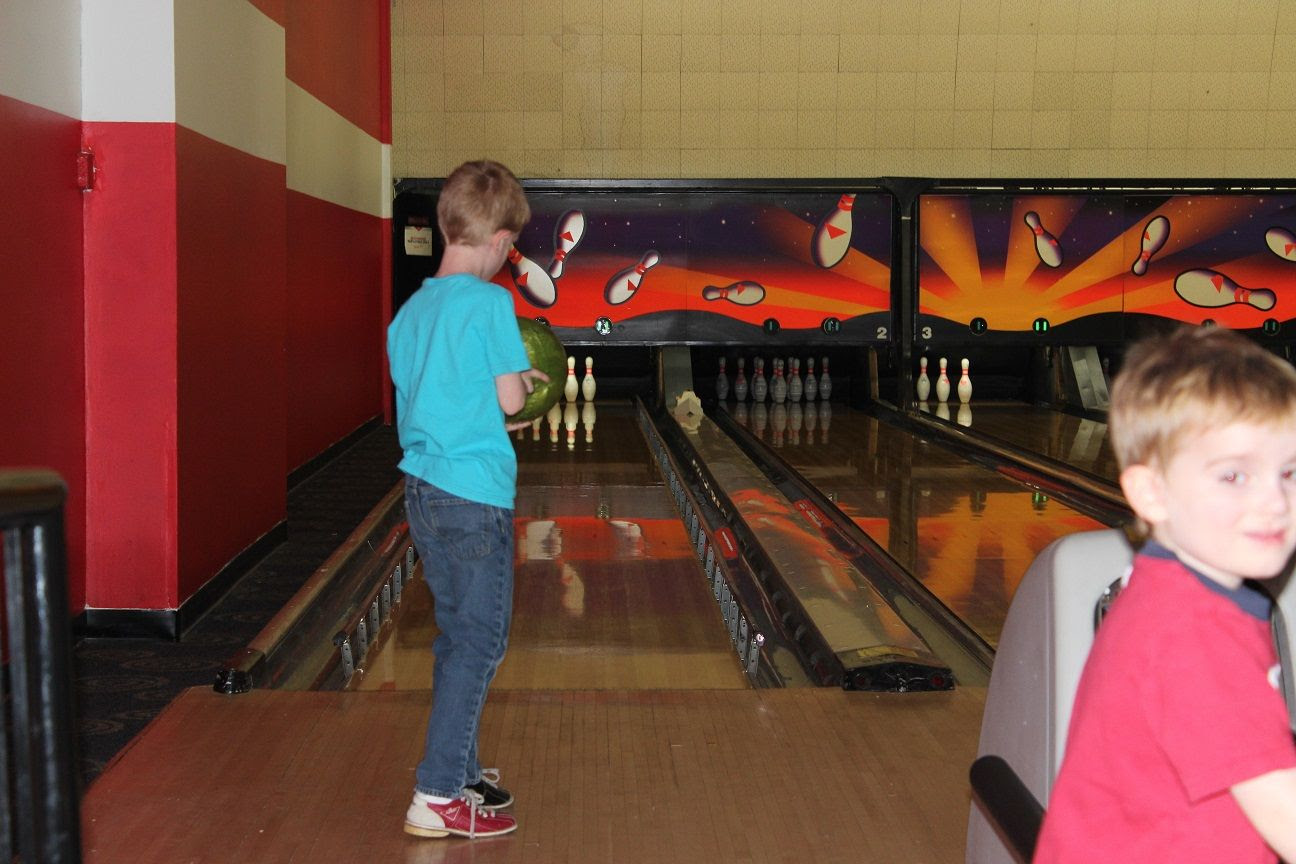 photo bowling6_zpsjps4fxlw.jpg