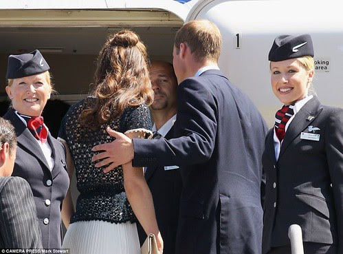 Prince William and Kate given a star-spangled send off as they fly  home with hundreds of fellow Brits on commercial BA flight    2
