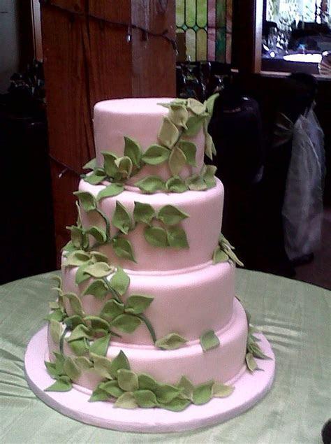 vines, jungle, leaf wedding cake. white and green. www