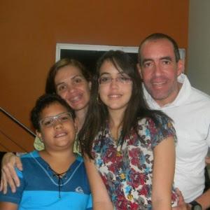 O bullying foi um dos motivos que, há três anos, influenciou Ricardo Iene a tirar da escola, Guilherme, 13, e Lorena, 15