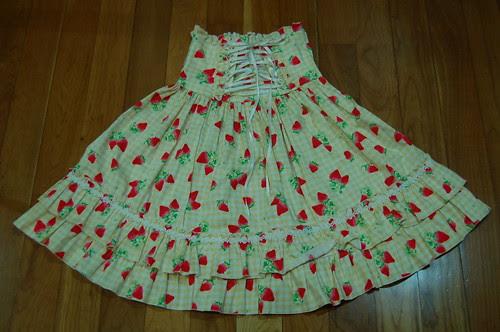 Lolita Closet Count! Skirts: Cream-Yellow - Bodyline Yellow Strawberry Gingham