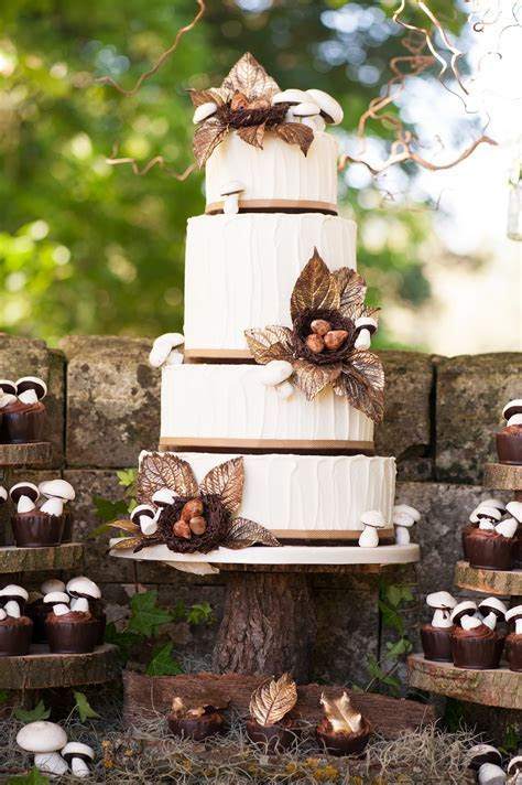 Woodland Themed Wedding Cake   Rustic Wedding Chic