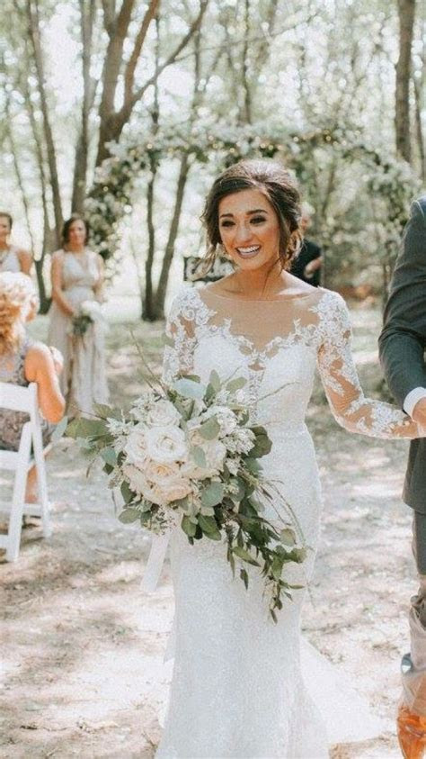 Allergic reaction to flowers sent bride on a wedding day