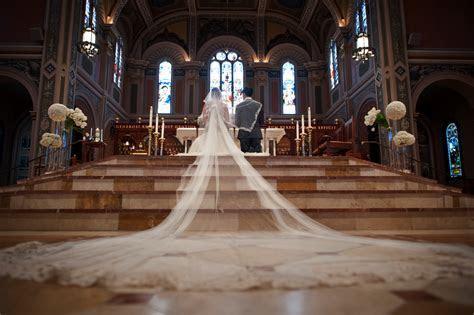 2 Chic Events & DesignSacramento Cathedral Wedding: Mailen