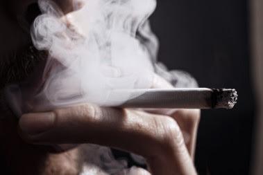 <p>Inglaterraanunció la semana pasada su propósito de demorar las cirugías no vitales en personas obesas y fumadoras./ Fotolia</p>