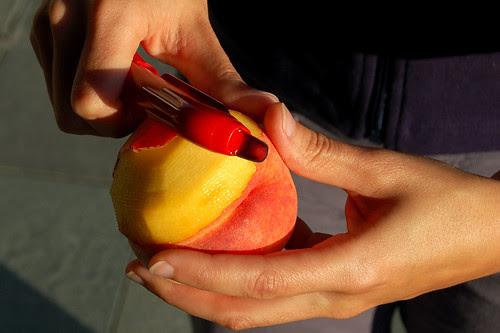 Peeling a peach for crisp