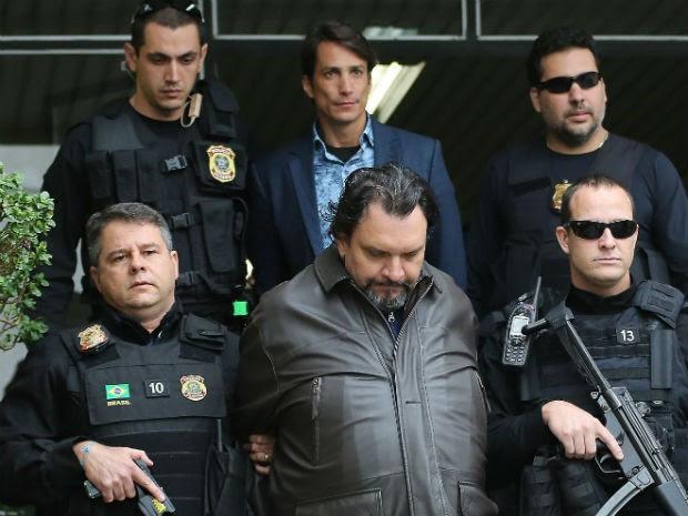 No meio, na parte inferior: Eduardo Aparecido de Meira. No meio, na parte superior: Flávio Henrique de Oliveira Macedo  (Foto: Giuliano Gomes/ PRPRESS)