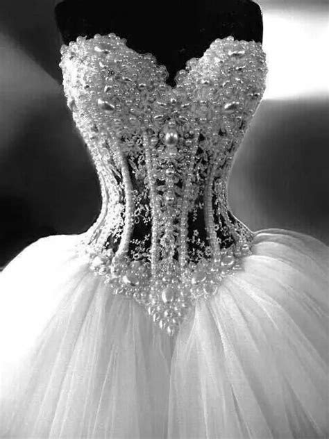 Gorgeous Ball Gown Sweetheart See Through Tulle Pearl