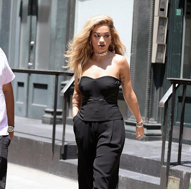 Stunning And Surprising New Looks: KATCHING MY I: Rita Ora Looks Stunning In A Black Corset