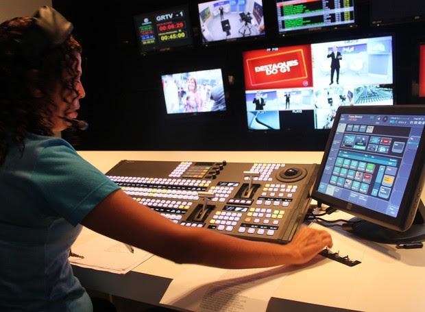 Tecnologia: nova mesa de áudio nas salas de exibição (Foto: Gabriela Canário)