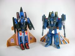 Transformers Dirge Classic Henkei vs G1 - modo robot