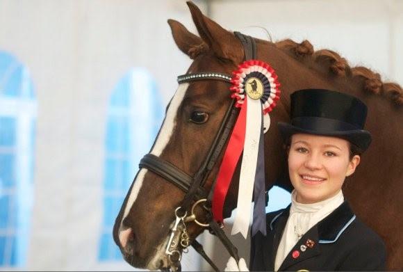 Alexandra Andresen có niềm đam mê đặc biệt với cưỡi ngựa.