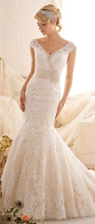 The perfect wedding dress | Friday Favorites at www.andersonandgrant.com