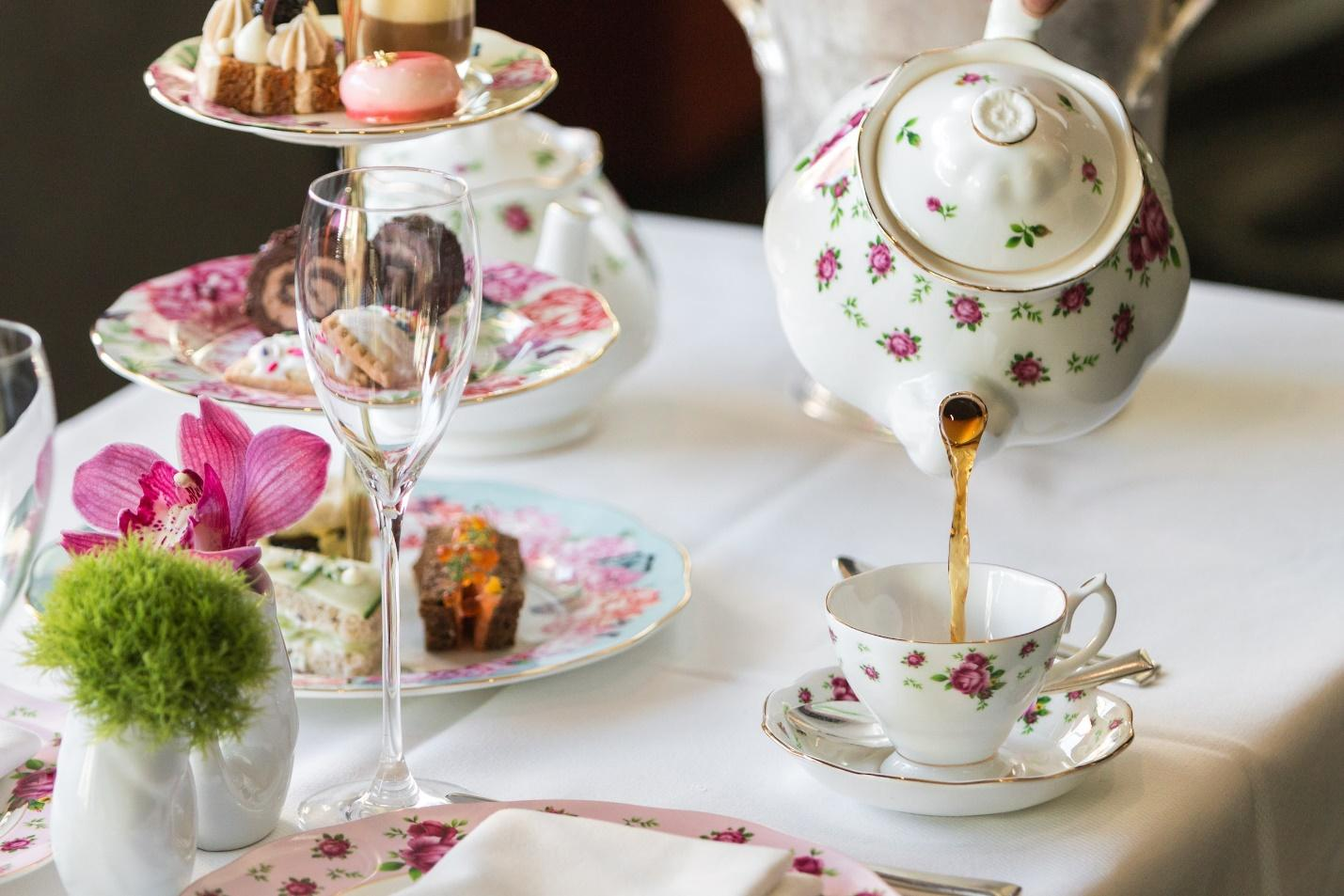 C:\Users\SUPRIYA\Downloads\Kingbird_Watergate_afternoon_tea_with_sweets_011818_DC_LARGE-min.jpg