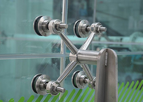 Cửa kính cường lực 47- Các mẫu cửa kính cường lực đẹp