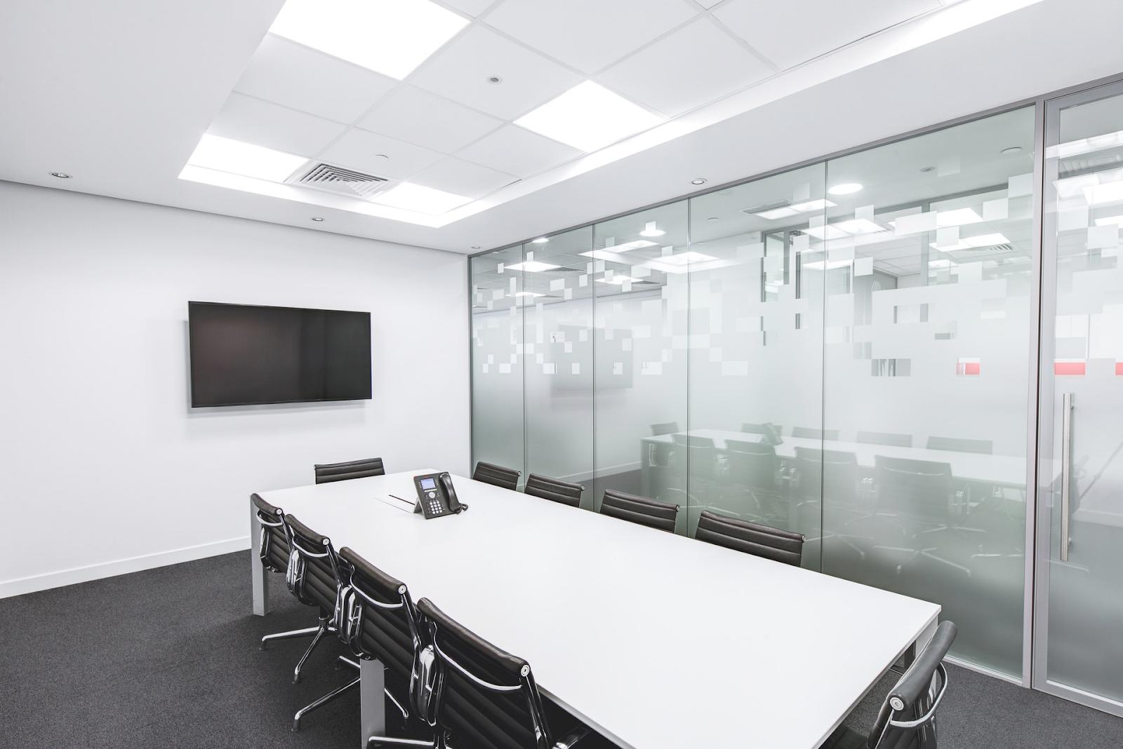 Особенности офисных светильников