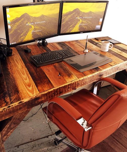 большой компьютерный стол из поддонов