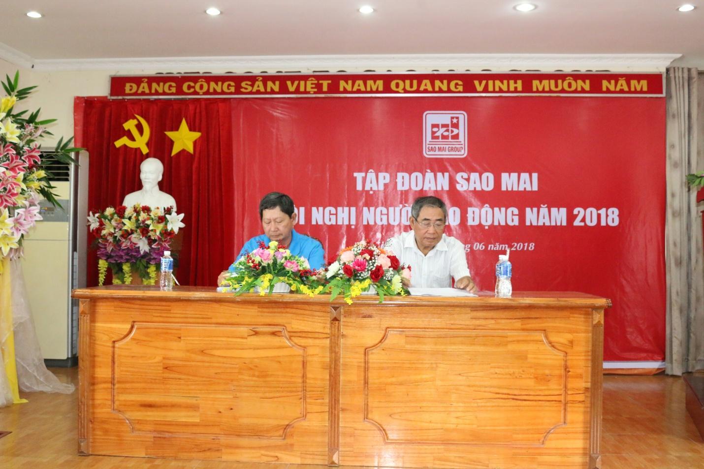 2. Đoàn chủ tịch điều hành Hội nghị.JPG
