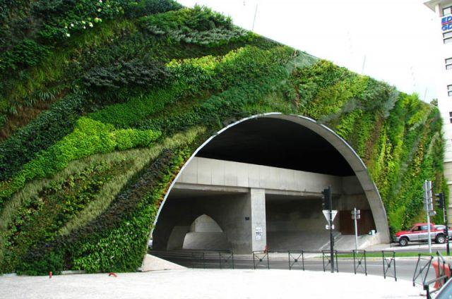 pont_max_juvenal_aix_en_provence_vertical-wall-garden.jpg