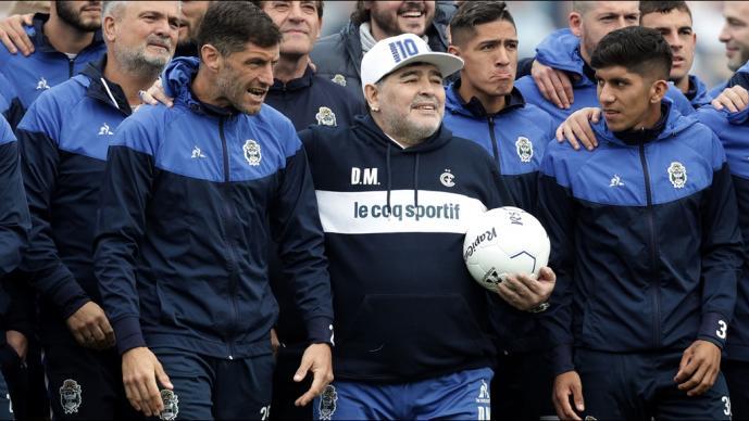 Image result for maradona como tecnico de gimnasia
