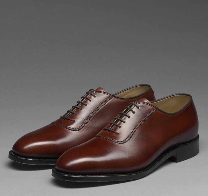 Vest trung niên nên kết hợp với những kiểu giày nào ?