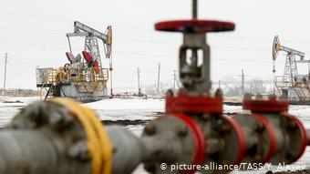 Нефтяные станки-качалки под Альметьевском в Татарстане
