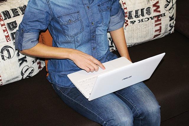 laptop-618170_640.jpg