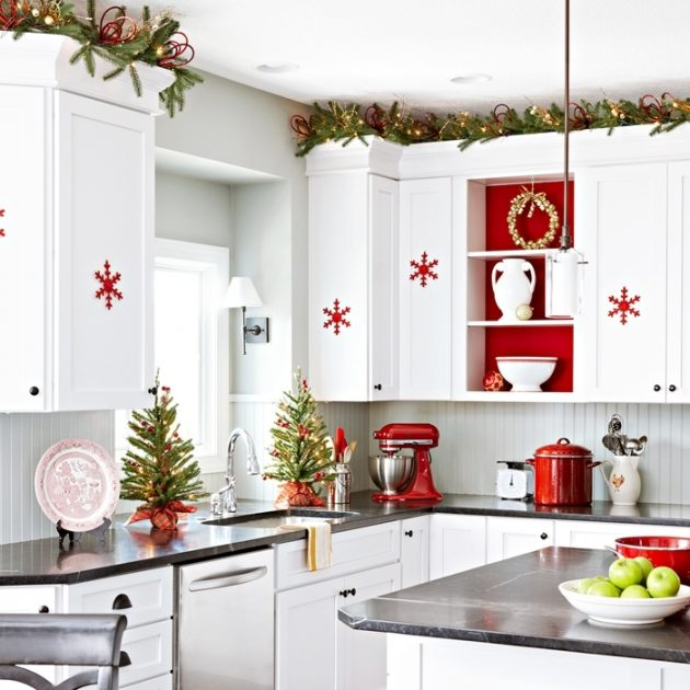 11 Easy Affordable Kitchen Christmas Decor Ideas