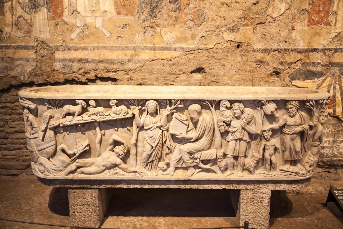 """""""Nhà nguyện Sistine thuộc thời kỳ Trung cổ"""" bị chôn vùi khoảng 1200 năm"""