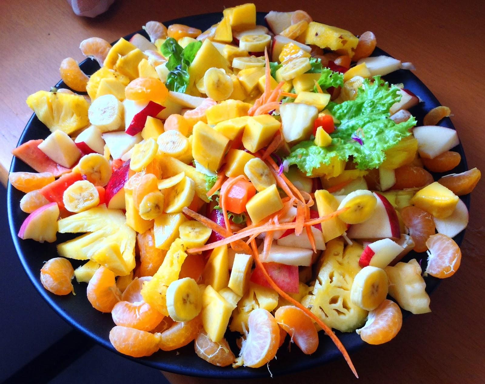 131209.thailand.bangkok.1.5usdbreakfast.food.rawfood.jpg