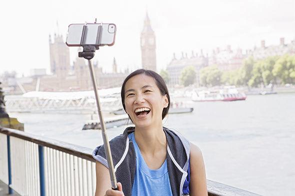 Kết quả hình ảnh cho visitors from China to uk