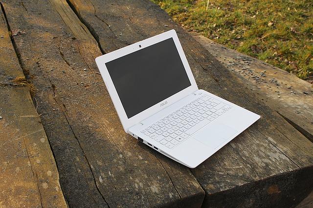 laptop-673713_640.jpg