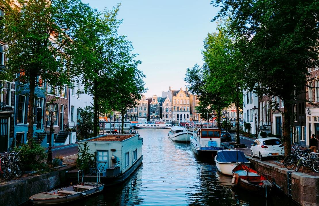 Museum hopping in Amsterdam guides!
