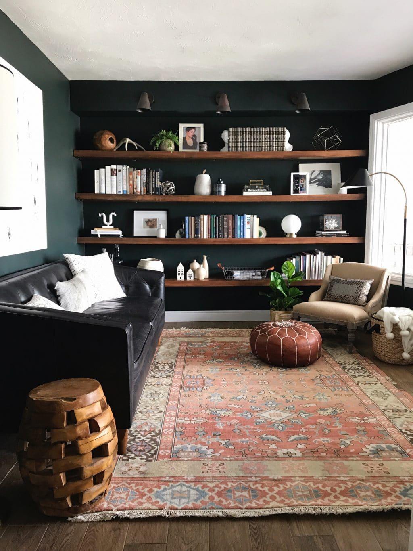 Không gian phòng đọc sách gia đình vô cùng ấn tượng với điểm nhấn là thảm trải sàn