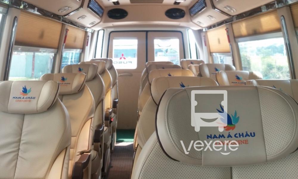 Nội thất xe Nam Á Châu Limousine từ Sài Gòn đi Mũi Né