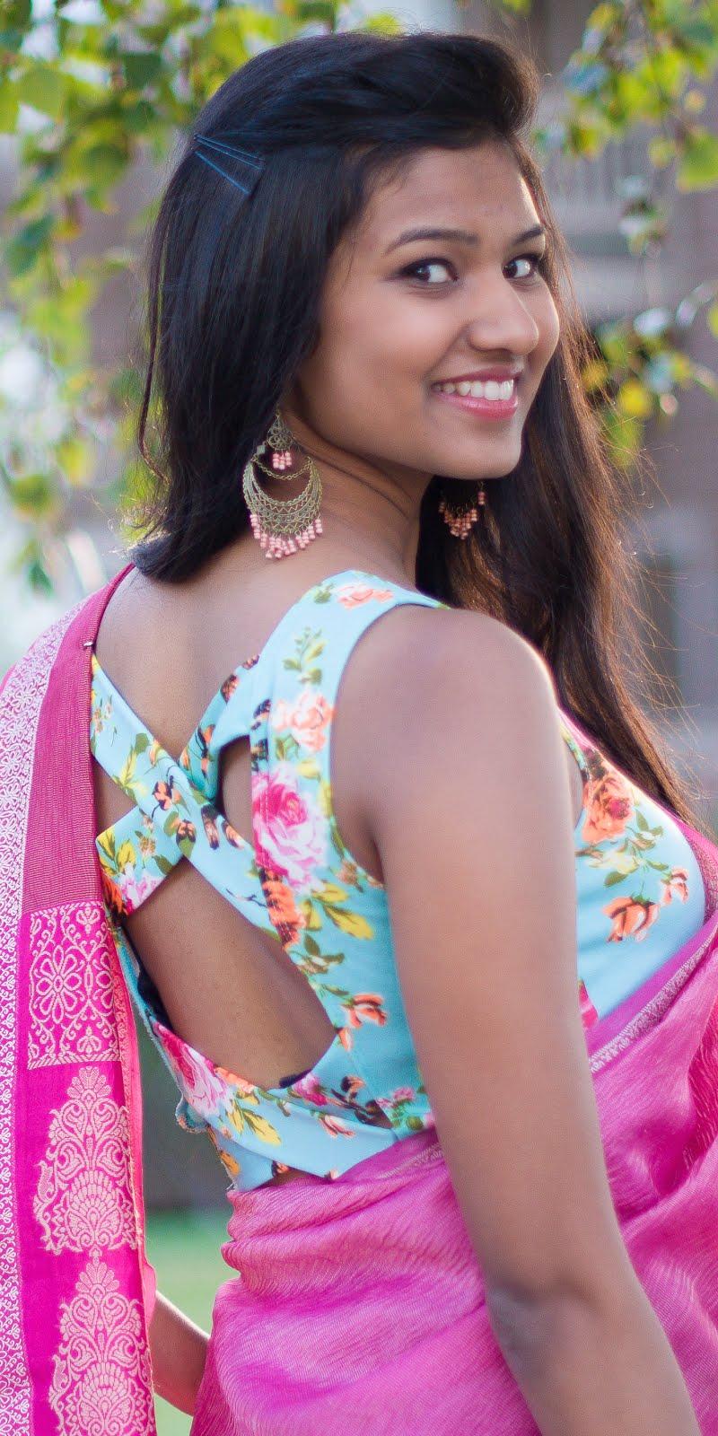 seamless pink floral pattern
