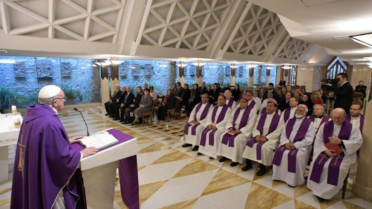 Đức Thánh Cha dâng Lễ: 'Cầu nguyện cần lòng can đảm và sự kiên trì'
