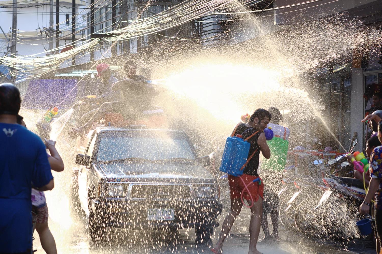 Có một lễ hội Songkran sôi động chờ bạn tham gia trong dịp tháng 4 tại Thái Lan - ảnh 6