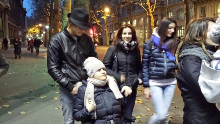 C:\Users\Sara\Desktop\FOTO ATTIVITA', SCUOLA E GITE 2012-2013\29- Parigi\Parigi (53).jpg