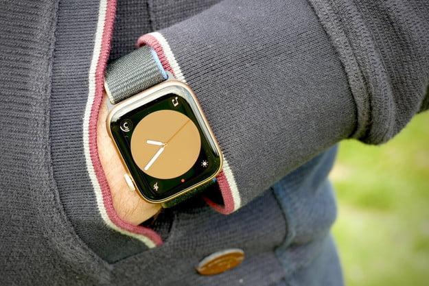 apple watch se review pocket