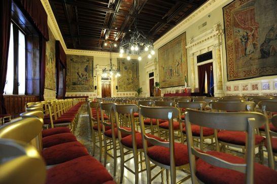 sala-della-regina-allestita-conferenza-1jpg