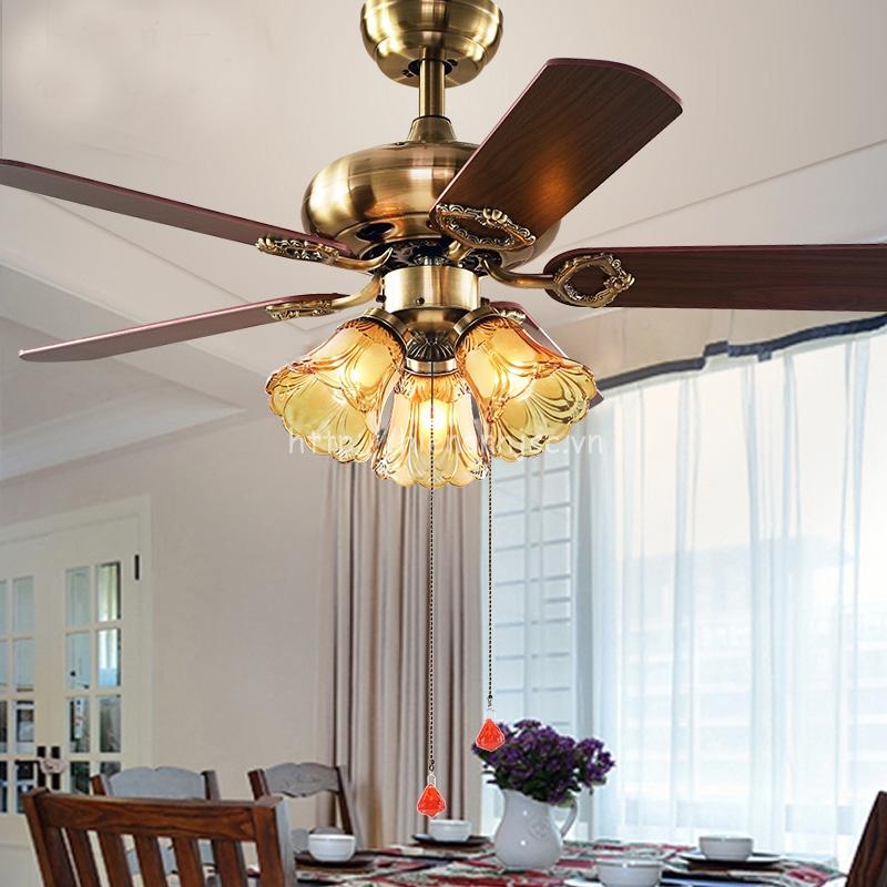 Quạt trần cao cấp giúp không gian phòng bếp thêm sang trọng hơn